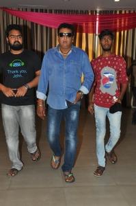 Prudhviraj @ Dwaraka Press Meet at Haailand, Guntur Photos