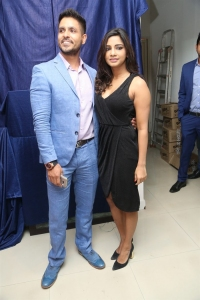 Kamna Singh launches Bharat Thakur's Colossal Abstracts Photos