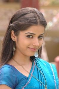 Actress Aparna Bajpai @ O Manasa Movie Stills