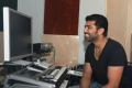 Arun Vijay sings for Thadaiyara Thaakka