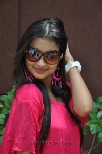 Yen intha Mayakkam Actress Swarna Photoshoot Stills