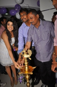 Telugu Actres Tashu Kaushik at Naturals Salon Launch