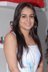 Actress Aksha Pardasany launches Natuals Spa & Salon at Tolichowki, Hyderabad