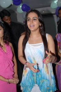 Actress Aksha at Naturals Family Salon 18th Show Room Launch