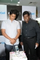 Actor Jeeva launches iPhone 5 at Univercell Photos