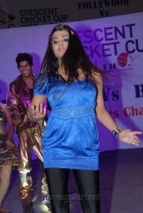 Actress Tashu Kaushik Hot Dance Performance Photos