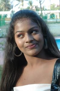 Actress Kamali at Kandanam Movie Shooting Spot Photos