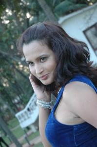 Actress Zita Mariya at Kandanam Movie Shooting Spot Photos