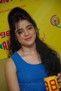 Actress Pia Bajpai at Radio Mirchi on Back Bench Student Promotion