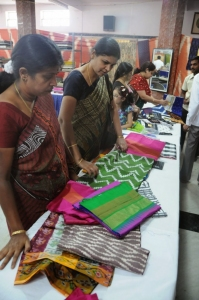 Shubra Aiyappa Launches Pochampally Ikat Art Mela @ Bangalore Photos