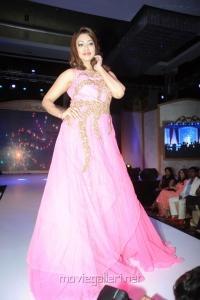 Actress Harika @ 13th GR8 Women Awards 2014 Stills