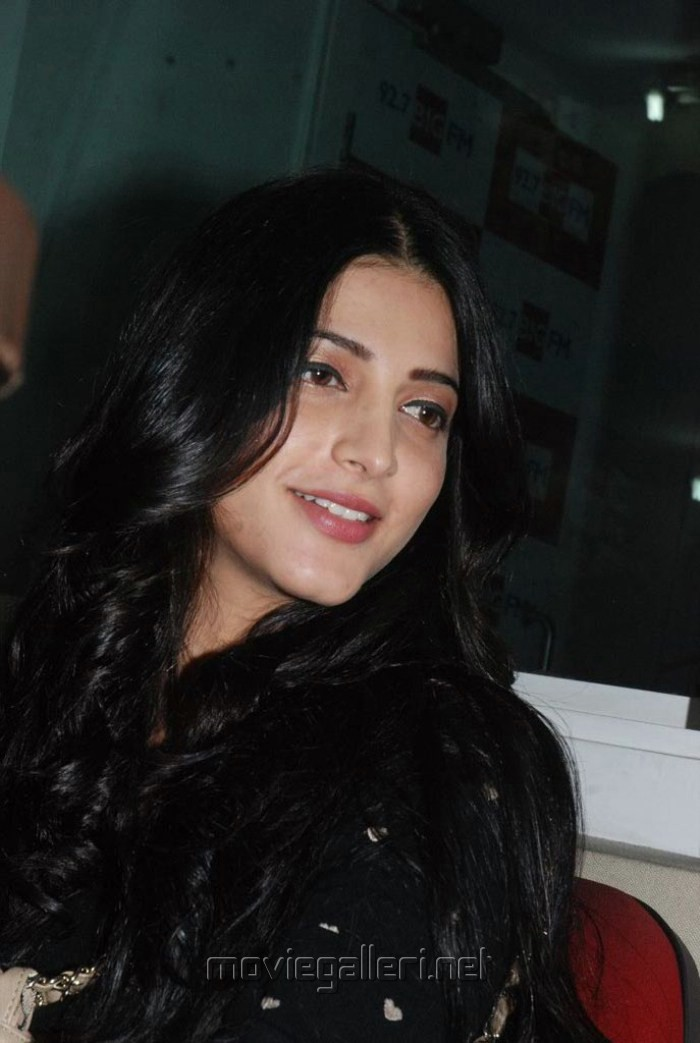 Shruti Hassan at Big FM Studio Chennai