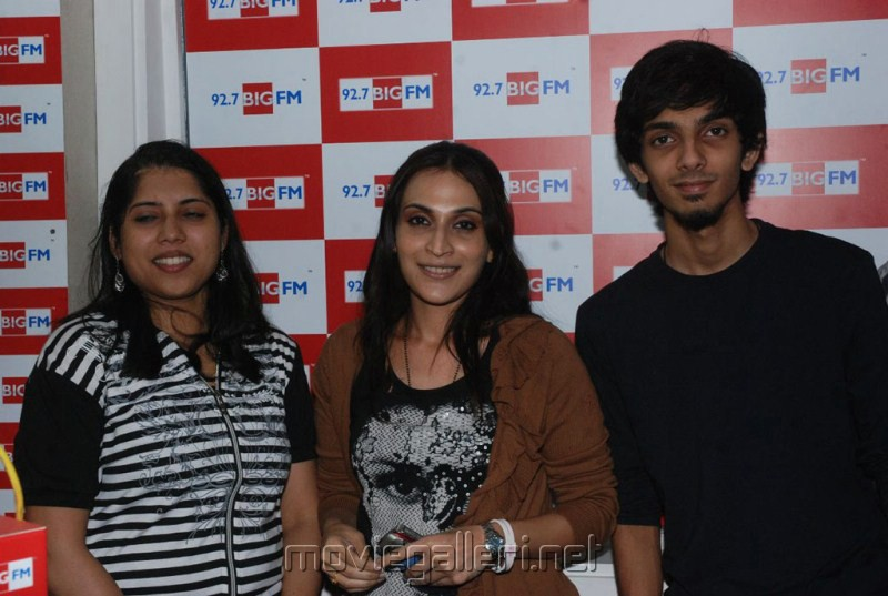 3 Movie Team at Big FM Studio Chennai