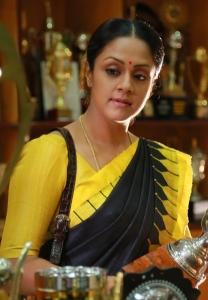 36 Vayathinile Actress Jyothika in Saree Photos