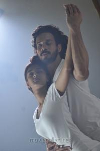 Erica Fernandes, Bharath in 555 (Ainthu Ainthu Ainthu) Tamil Movie Stills