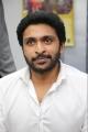 Actor Vikram Prabhu @ 60 Vayadu Maaniram Movie First Look Launch Stills