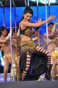 Shruti Hassan @ 60th Idea Filmfare Awards 2013 (South) Photos