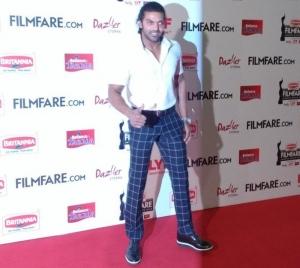 Arya @ 63rd Britannia Filmfare Awards South 2016 Stills
