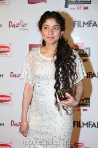 Actress Sai Pallavi @ 63rd Filmfare Awards South 2016 Red Carpet Stills