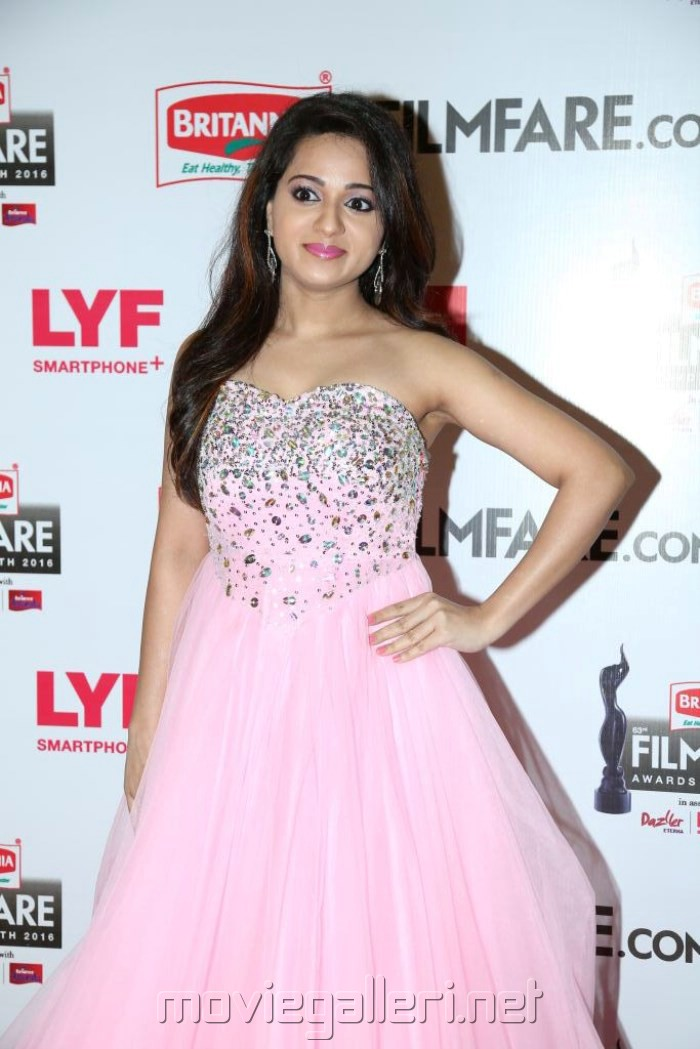 Reshma Rathore @ 63rd Filmfare Awards South 2016 Red Carpet Stills