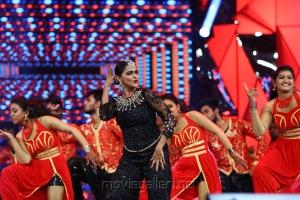 Actress Ramya Nambeesan Dance Performance @ 64th Jio Filmfare Awards South 2017 Event Images