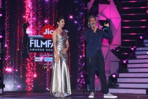 Rakul Preet Singh, Jagapathi Babu @ 64th Jio Filmfare Awards South 2017 Event Images