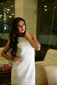 Actress Angana Roy in 7 Naatkal Movie Stills