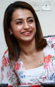 96 Movie Actress Trisha Cute Latest Images