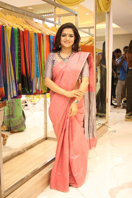 Anchor Dhivyadharshini @ AA Guru Silks Launch Photos