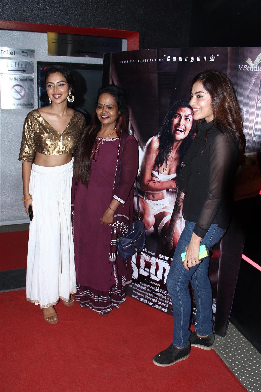 Amala paul, Kala, Ramya @ Aadai Movie Celebrities Show Stills