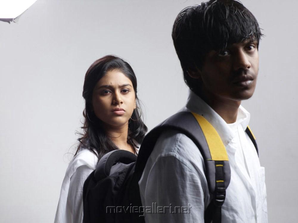Santhosh, Manisha Yadav in Aadhalal Kadhal Seiveer Movie Photos