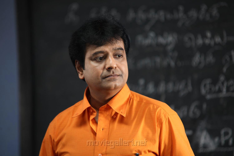Picture 690431 | Actor Vivek in Aadhar Tamil Movie Stills ...