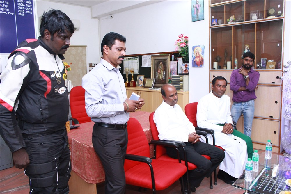 Actor Aari inaugurates Friends Of 108 Club Photos