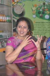 Actress Lakshmi Ramakrishnan at Aarohanam Movie Success Meet Stills