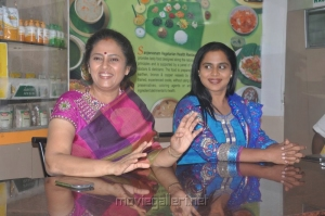 Lakshmi Ramakrishnan, Viji at Aarohanam Movie Success Meet Stills