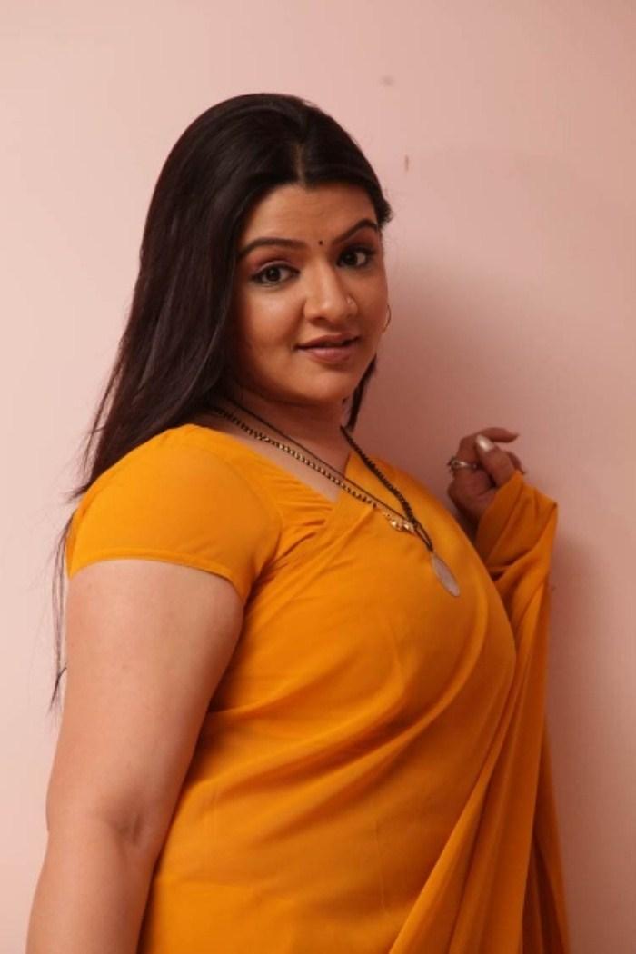 Billede 147.997 Aarthi Agarwal Hot Saree Stills I 420 Ny filmplakater-9776