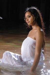 Aarushi Spicy Hot Stills in Azhagan Azhagi Movie