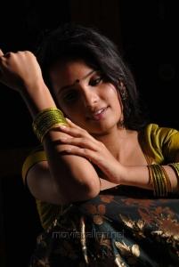 Tamil Actress Aarushi Pics in Azhagan Azhagi Movie