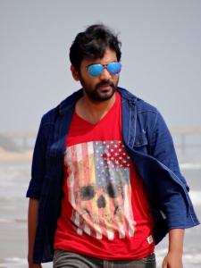 Aavu Puli Madhyalo Prabhas Pelli Movie Actor Stills