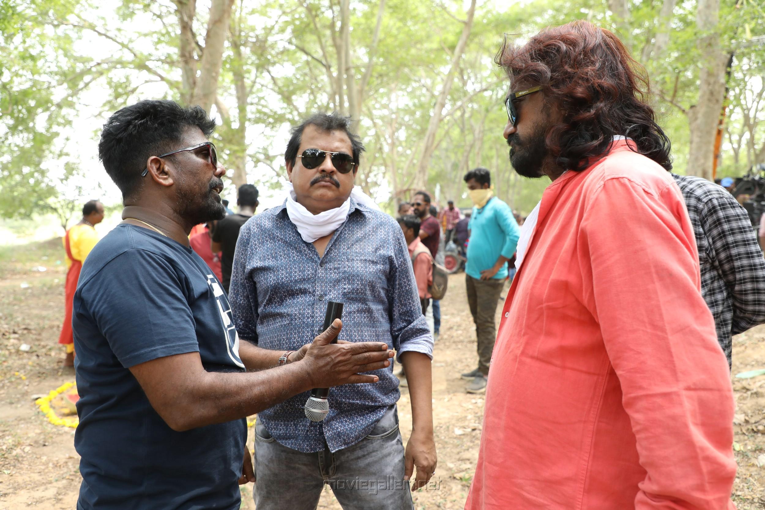 Kanal Kannan, Ezhil, UK Senthil Kumar @ Aayiram Jenmangal Movie Working Stills
