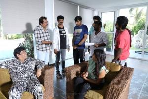 Anandaraj, Ezhil, Chaams, Sathish, Eesha, GV Prakash @ Aayiram Jenmangal Movie Working Stills