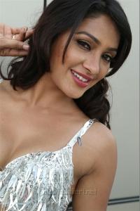 Aayirathil Iruvar Movie New Photos