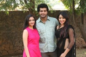 Kesha Khambhati, Vinay, Swasthika @ Aayirathil Iruvar Team Meet Stills