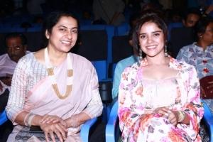 Suhasini, Piaa Bajpai @ Abhiyum Anuvum Movie Press Meet Stills