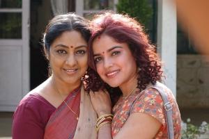 Rohini, Pia Bajpai in Abhiyum Anuvum Movie Stills HD