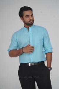 Tovino Thomas in Abhiyum Anuvum Movie New Images HD