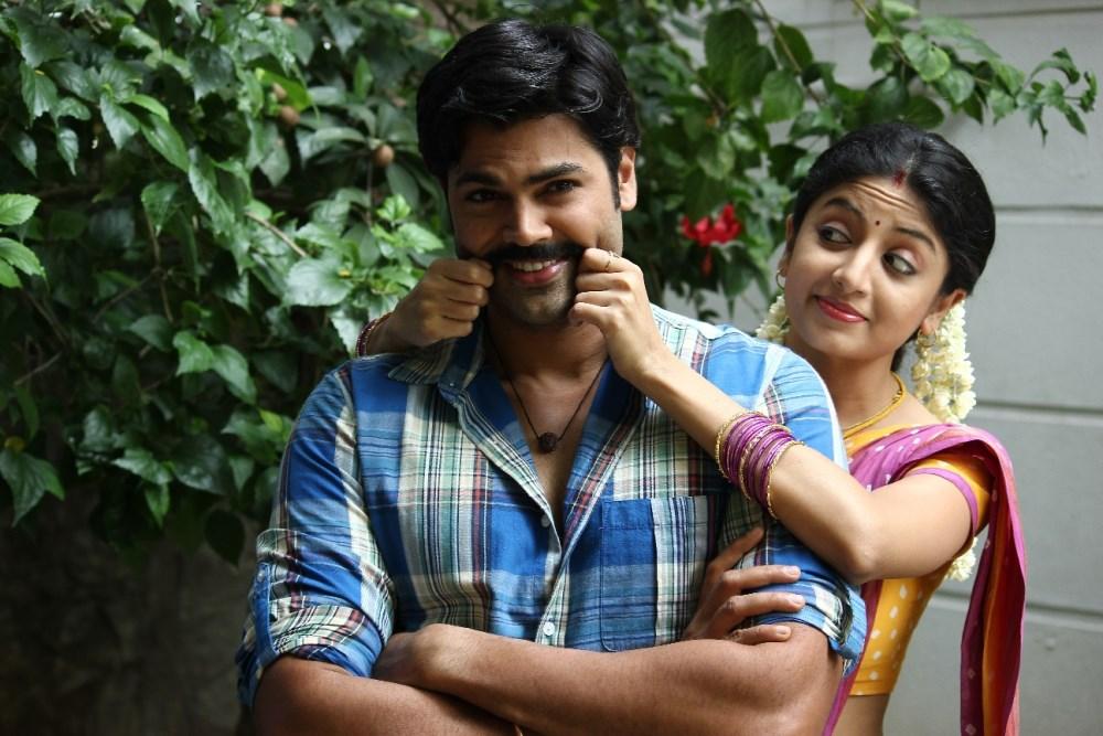 Ganesh Venkatraman, Poonam Kaur in Acharam Tamil Movie Stills