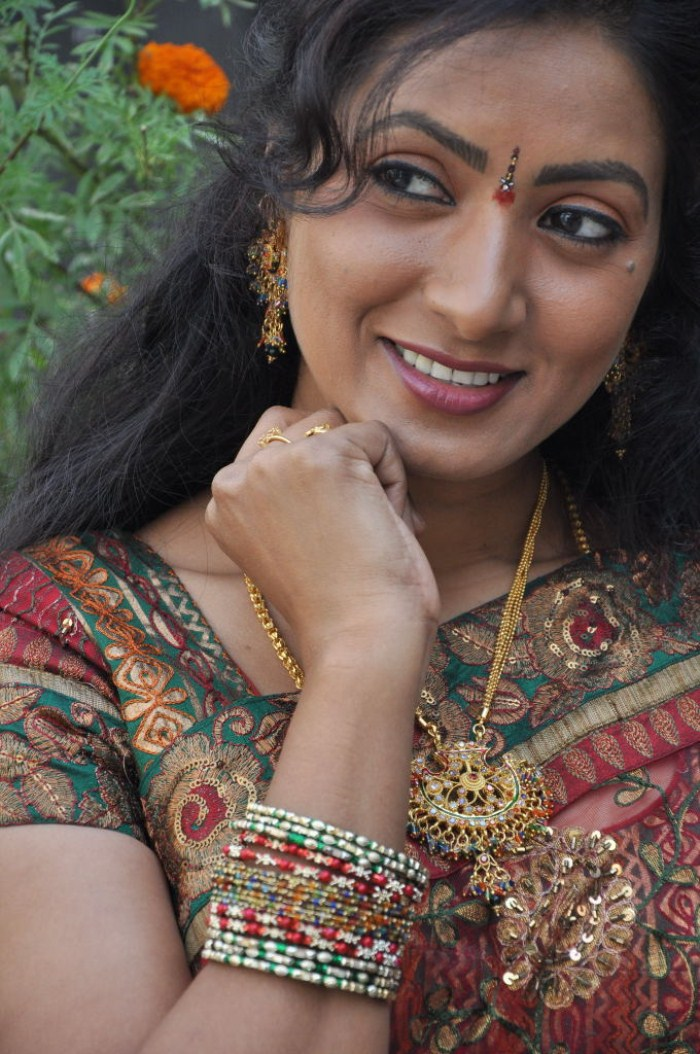 Aamani Picture 110603 Actress Aamani Stills New Movie Posters