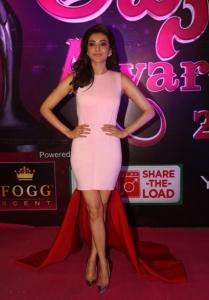 Actress Kajal Agarwal @ Apsara Awards 2016 Red Carpet Stills