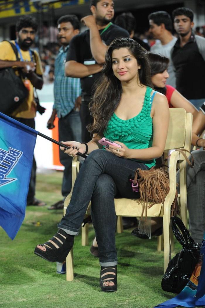 700 x 1053 jpeg 169kB, Picture 21892 | Actress Hot Stills @ CCL Final ...